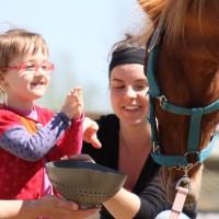 Avez-vous déjà pensé à l'hippothérapie pour votre enfant?