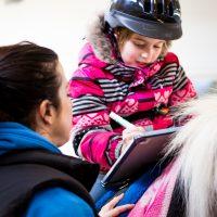 Comment l'hippothérapie peut aider l'enfant dyspraxique?