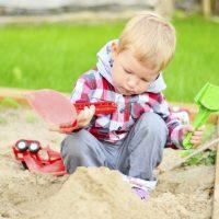 Plein d'idées pour jouer dans le sable et dans l...