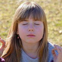 Apprendre à votre enfant à s'apaiser en 3 étapes simples!