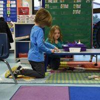 Classe flexible: comment utiliser la table basse
